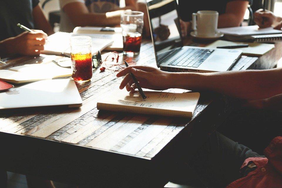 Texterstellung: Besser vom professionellen Text-Schreiber beziehungsweise Freelance-Texter Ihre Texte schreiben lassen! Das Ergebnis: Texte, die überzeugen!