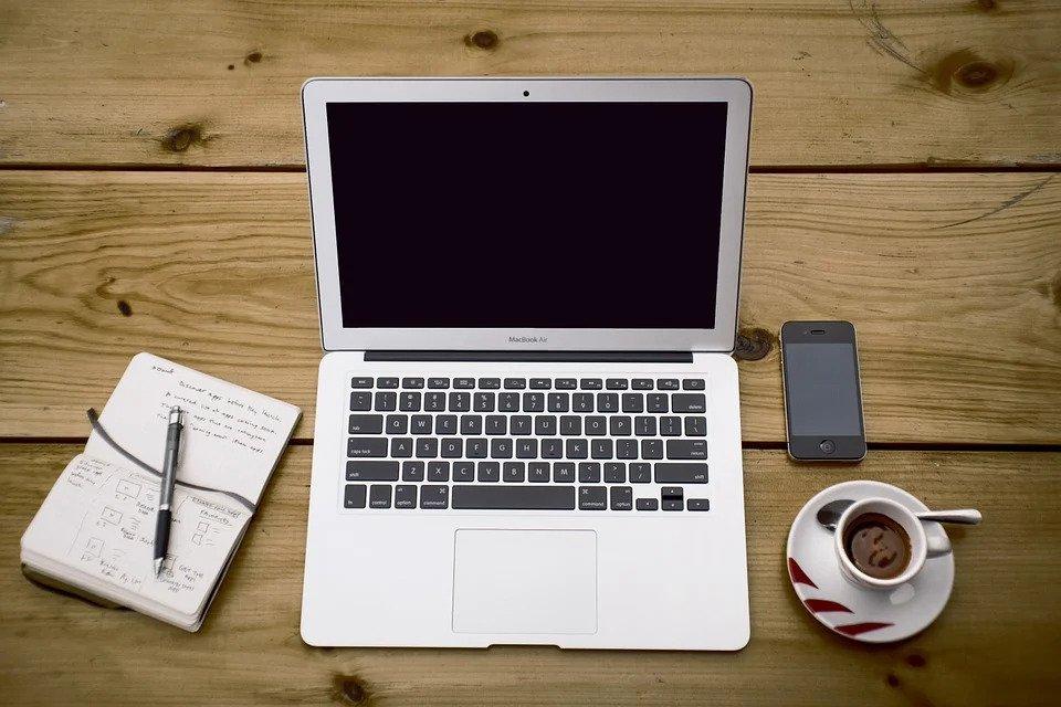 Neue Texte schreiben lassen – Ihren Text-Schreiber oder Text-Umschreiber finden Sie hier! Freien Texter gesucht und gefunden. Bei der Textwerkstatt Punktgenau können Sie neue Texte schreiben lassen sowie Texte umschreiben oder überarbeiten lassen – gerne auch regelmäßig!